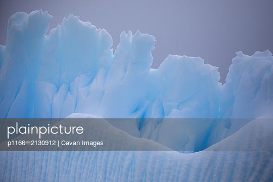 Iceberg details - p1166m2130912 by Cavan Images