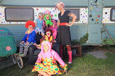 Zirkus-Truppe - p045m1044828 von Jasmin Sander