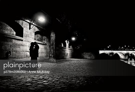 Lovers Seine - p378m2086060 by Anne McAulay