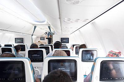 Im Flugzeug - p1243m1526059 von Archer