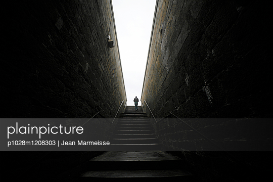 Climbing stairs - p1028m1208303 by Jean Marmeisse