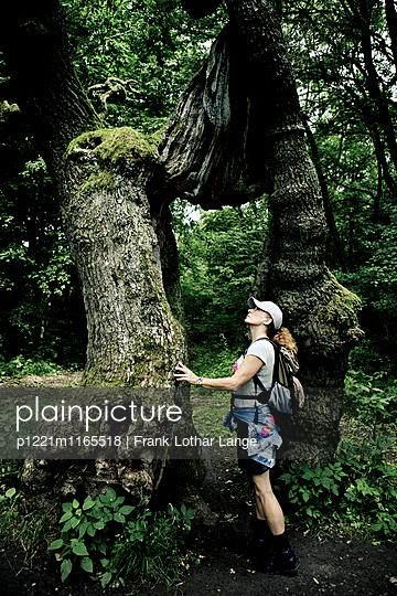 Wanderin - p1221m1165518 von Frank Lothar Lange
