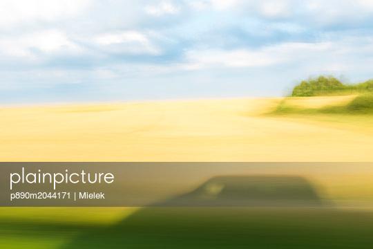 p890m2044171 by Mielek