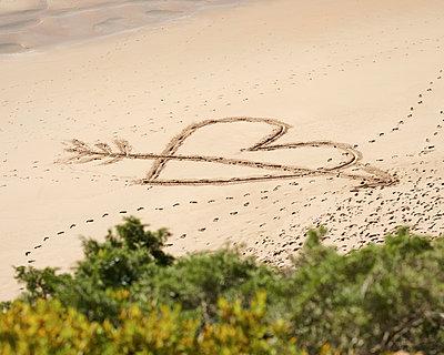 Herz am Strand - p1124m1112490 von Willing-Holtz