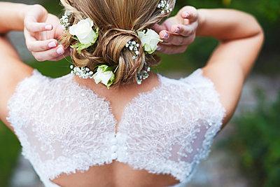 Bride - p1167m984295 by Maria Schiffer