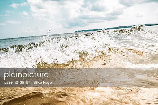 Wave - p299m2135157 by Silke Heyer