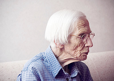 Old lady - p1670m2258988 by HANNAH