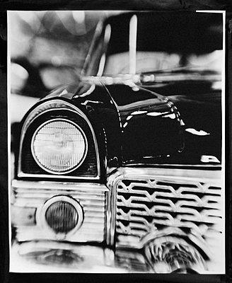Scheinwerfer eines Oldtimers - p1108m900912 von trubavin