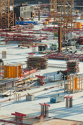 Germany, Hamburg, Construction site - p229m2204249 by Martin Langer