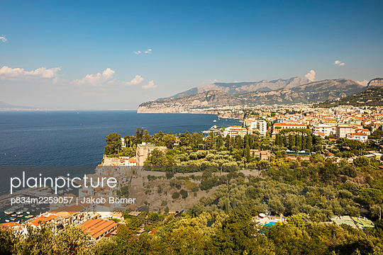 Italy, View of Sorrent and the Gulf of Naples - p834m2259057 by Jakob Börner