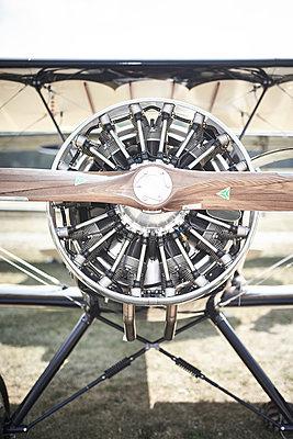 Sternmotor, Kunstflug - p587m1190421 von Spitta + Hellwig