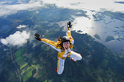 A female parachute jumper, Sweden - p31226172 by Hans Berggren