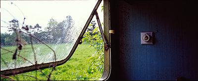 Altes Fenster - p1082m2244958 von Daniel Allan