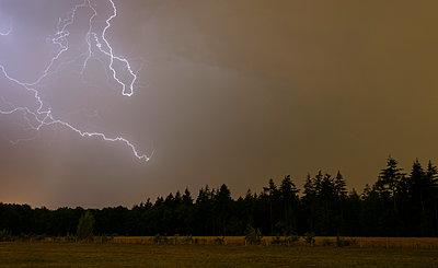 Thunderstorm - p1132m2027964 by Mischa Keijser
