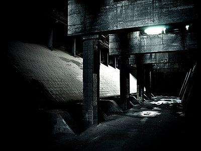 Alte Industrieanlage - p416m991143 von Stephan Jouhoff