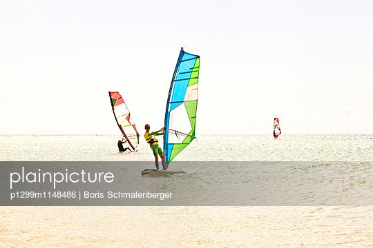 Surfer - p1299m1148486 von Boris Schmalenberger