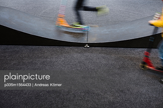 halfpipe motions roller - p335m1564433 von Andreas Körner