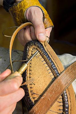 Bespoke shoes - p1216m2260946 by Céleste Manet