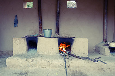 Simple hearth outdoors, Uzbekistan - p1189m2176146 by Adnan Arnaout