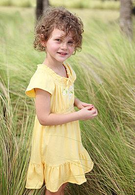 Bezauberndes Mädchen - p045m918062 von Jasmin Sander