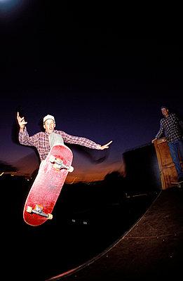 Skater auf Rampe - p2200091 von Kai Jabs