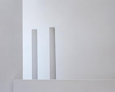Weiße Fassade - p416m991101 von Dominik Reipka