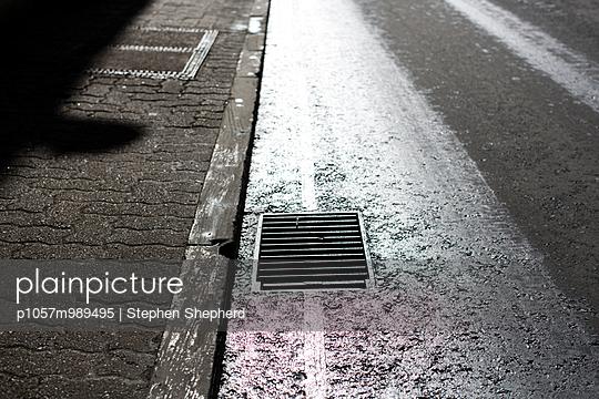 Silent city - p1057m989495 by Stephen Shepherd