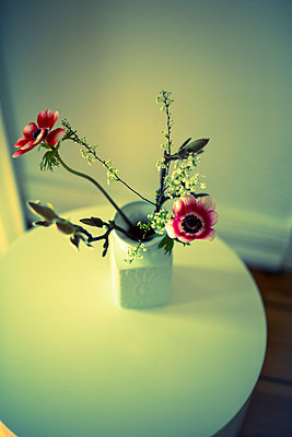 Blumenvase - p432m894010 von mia takahara
