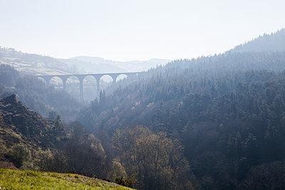 Viaduc of the Recoumène - p672m1589522 by Vanessa Chambard