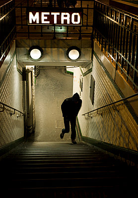 Metrostation - p567m1212516 von Alexis Bastin