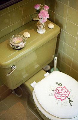 Toilet - p3510062 by Susanne Dupont