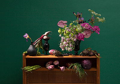 Composition Flowers and Vegetables - p1371m1573789 by virginie perocheau