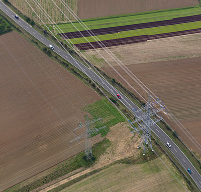 Power line - p356m831800 by Stephan Zirwes