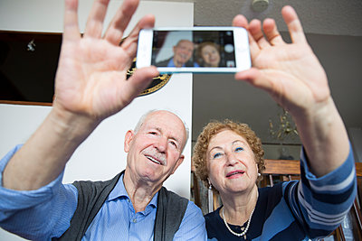 Taking a Selfie - p535m1082448 by Michelle Gibson