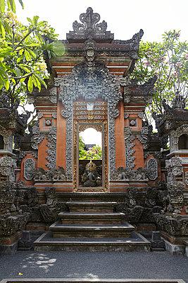 Eingang zum Tempel, Ubud, Bali - p1272m1084045 von Steffen Scheyhing
