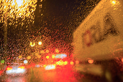 Driver's view through windshield  - p1418m1572300 by Jan Håkan Dahlström