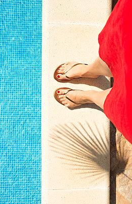 Am Pool - p454m1525745 von Lubitz + Dorner