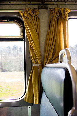 Train cabin - p879m1584182 by nico