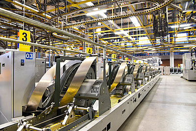 Machines for transport and packaging in a printing shop - p300m2104353 by Sten Schunke