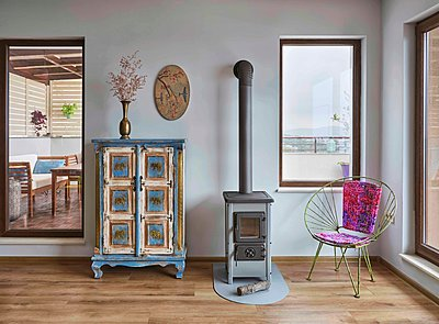Interior with fireplace - p390m2279055 by Frank Herfort