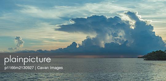 Overseas highway to Key West island - p1166m2130927 by Cavan Images