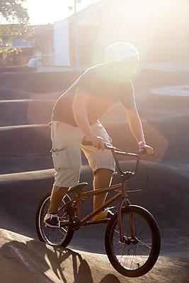 BMX fahren - p1108m1510316 von trubavin