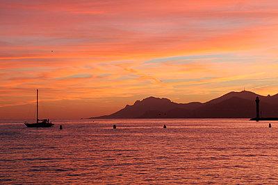 Sunset - p977m982412 by Sandrine Pic