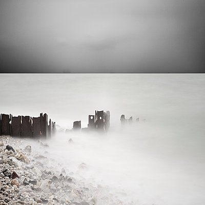 Fog at the seaside - p1137m1154998 by Yann Grancher