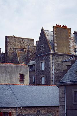 bretonische Altstadt - p464m1193615 von Elektrons 08
