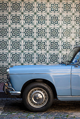 Vintage car - p1170m1125332 by Bjanka Kadic