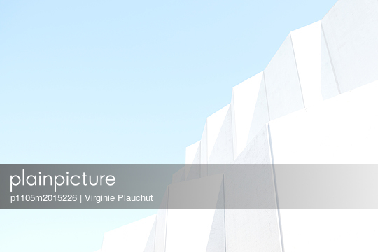 White - p1105m2015226 by Virginie Plauchut