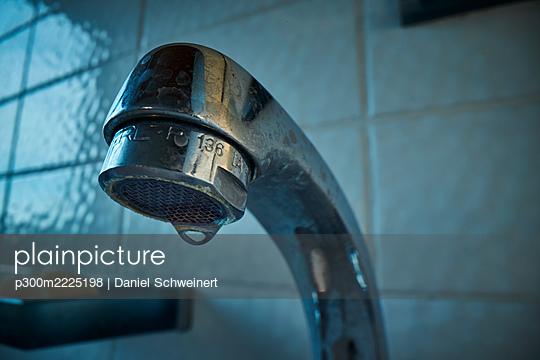 Leaky bathroom faucet - p300m2225198 by Daniel Schweinert