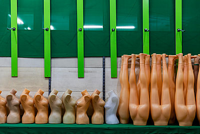 Storage of female plastic busts and leg forms - p590m2064902 by Philippe Dureuil