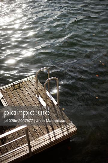 Deck, Seine river, Paris - p1028m2027977 by Jean Marmeisse